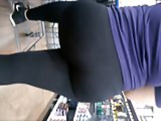 Phat Ass Latina in tights