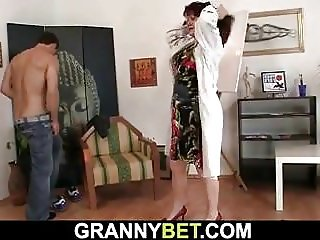 He fucks hot brunette mature paintress