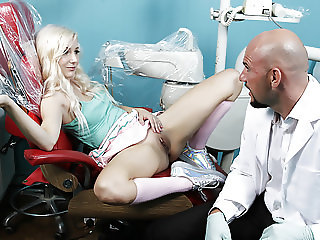Dentist fucks the tiny slut Vera Bliss