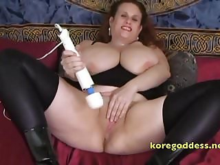 Slutty womans pussy erupts in squirt