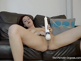 Sexy Tattood Babe Vibrater Her Clit With The Magic Wand