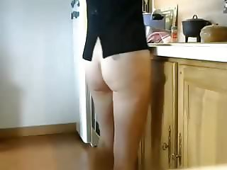 Nice ass in the kitchen 1
