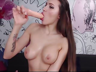 perfect body deepthroat show for euro camslut