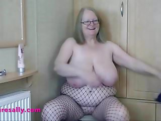 Sallys big ass and pussy in fishnets