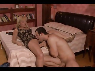 Mature Realtor Sell The House And Give Her Ass