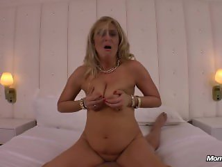WTF Holy Squirting Milf Amateur Anal Fucking