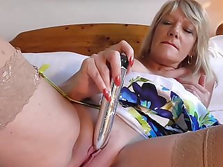 Mature British mom wants big hard cock