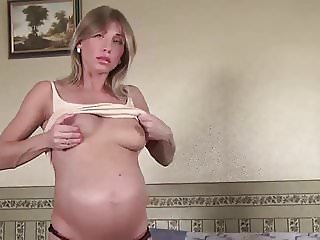 Beautiful Solo Babe In Pregnant Fingering (TeRRiFieR)