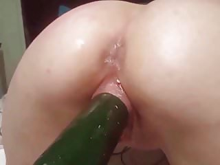 Squirting straight for almost 60 secomds!