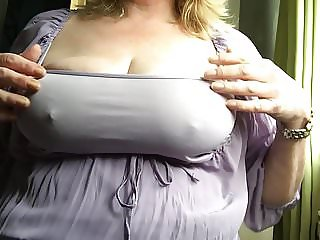 Feeling so horny this morning I had to have a play!