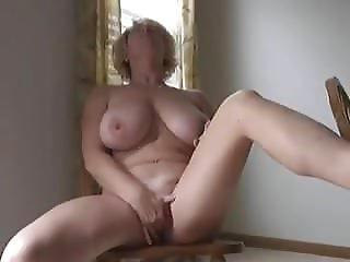 Thick Milf Playing With Herself