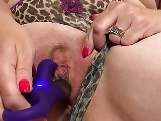 My mature pussy squirting