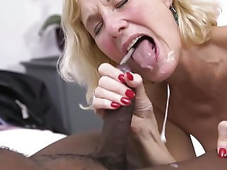 Milf cum shot in mouth