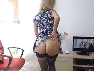 sexy blond web cam