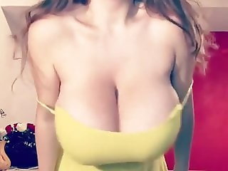 Show and play with big breasts