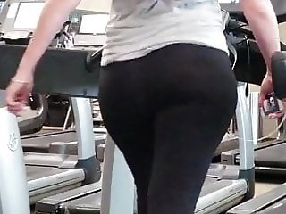 Candid Arabic Gym Booty in Motion #2