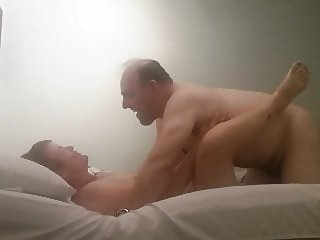 MILF getting her pussy ate out & pussy pounded by a big cock