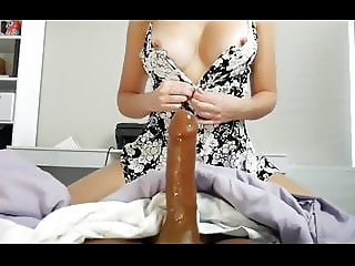 she loves to deepthroat and ride cock perfect body camgirl