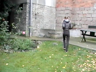 The luscious guy roughly pounds his girlfriend's mouth on the back yard