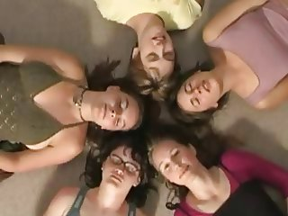5 Girls Masturbating