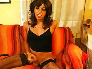 beautiful amateur crossdresser on cam