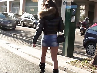 Julieskyhigh in  Paris hot babe in public high heels boots