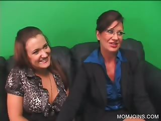 Threesome with MILF and daughter