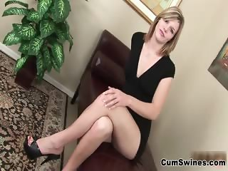 Sexy blonde cum hog gets on her knees part1