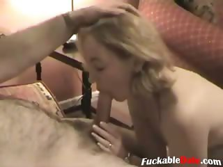 Amateur housewife gets nailed on the couch by her husband and gets his cum
