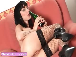 Teen Sofia fuck ass w bottle