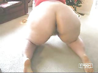 LOVES ME A BIG BOOTY WHITE MATURE!
