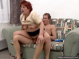 Horny mature housewive gets her dirty part5