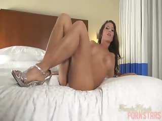 Hot Fit Girl Fingers and Fucks Her Tight Hole