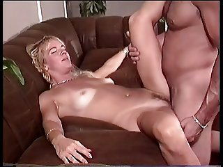 Sexy bitch getting huge dick to ride
