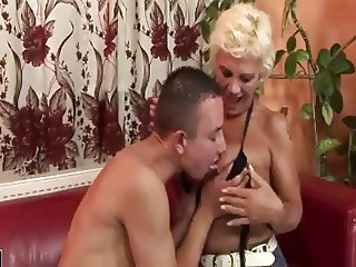 Young Man Enjoying A Hairy MILF Also Gets Rimmed
