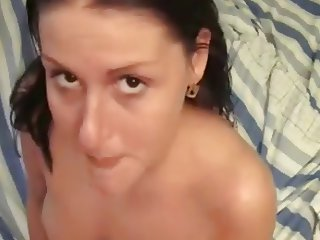 Amateur Teen Spreads Her Legs For Deep Fuck