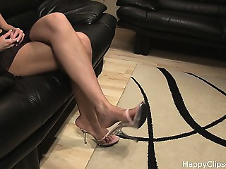 Secretary slipper dangling