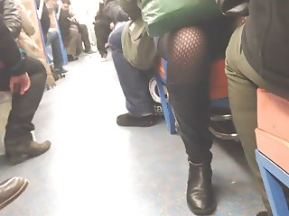 upskirt subway paris