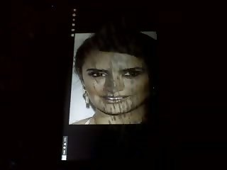 Tribute MONSTER facial Penelope Cruz