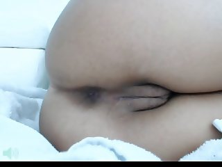 Sexy CamGirl Put Ice Cube In Pussy And Show Feet