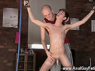 Twink video Kieron Knight likes to deepthroat the hot spunk
