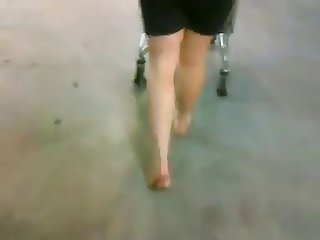 barefoot grocery store
