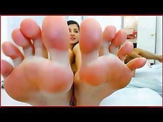 Melenna's massive feet and long toe tease