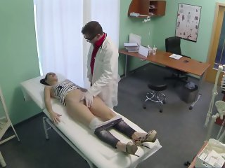 Sexy brunette patient gets fingered and sucks cock
