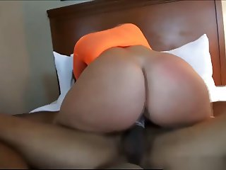 Amateur PAWG riding her friend