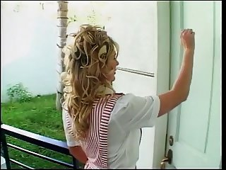 Blond hooker loves getting cunt nailed