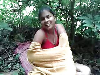 desi- girl fucked in forest part 1