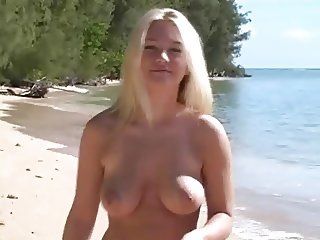 Nude Beach - Hot Blond Photoshoot