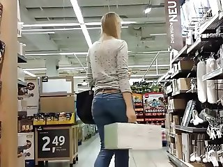 Tight Jeans Booty 003