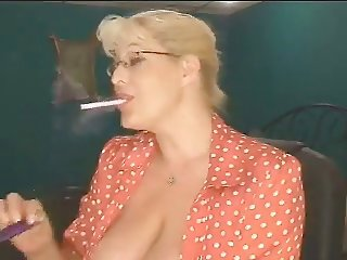 Smoking milf